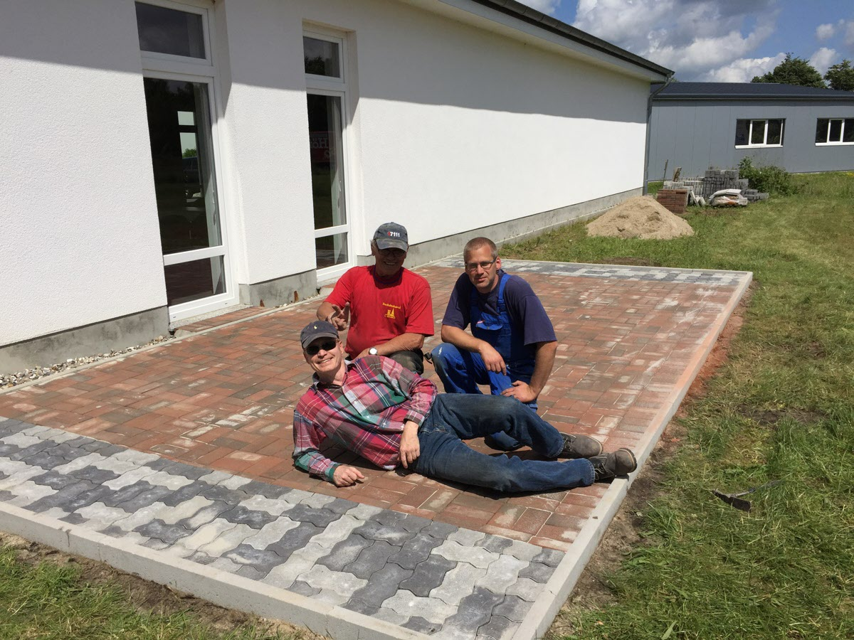 terrasse ist fertig tanzsportzentrum tarp e v. Black Bedroom Furniture Sets. Home Design Ideas